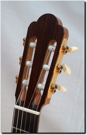Flamenco guitar head with Gotoh machine heads
